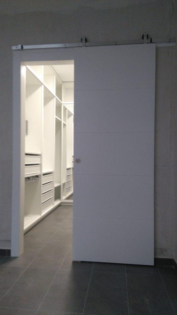 Puertas interior correderas cool ambiente puerta blanca for Puerta corredera interior madera